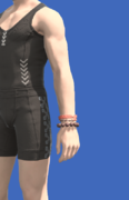 Model-Summer's Flame Wrist Torque-Male-Hyur.png