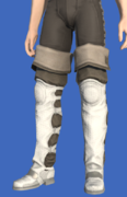 Model-Raptorskin Thighboots-Male-Hyur.png