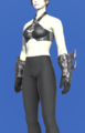 Model-Antiquated Chaos Gauntlets-Female-Roe.png