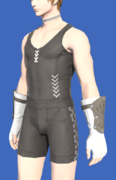 Model-Fingerless Raptorskin Gloves-Male-Hyur.png