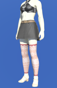 Model-Whisperfine Woolen Shorts-Female-Roe.png