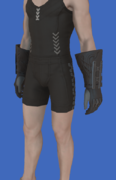 Model-Replica Sky Pirate's Gloves of Aiming-Male-Hyur.png