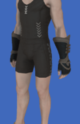 Model-Replica Sky Pirate's Gloves of Scouting-Male-Hyur.png